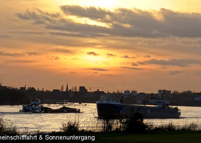 Sonnenuntergang Rheinschiff