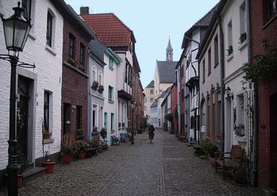 Tiefstraße